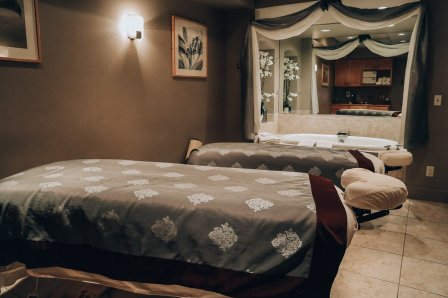 Stonedrift Spa Couples Massage Eagle Ridge Resort Galena, IL