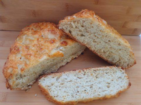 Kaas-ui brood uit de slowcooker