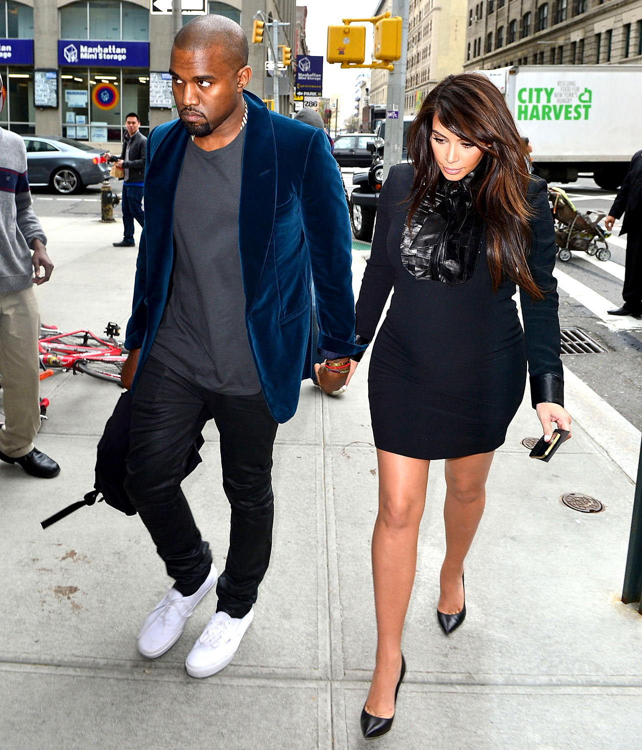 Gabriella Onion Booty with kanye proposed to kim kardashian - hot or not? |