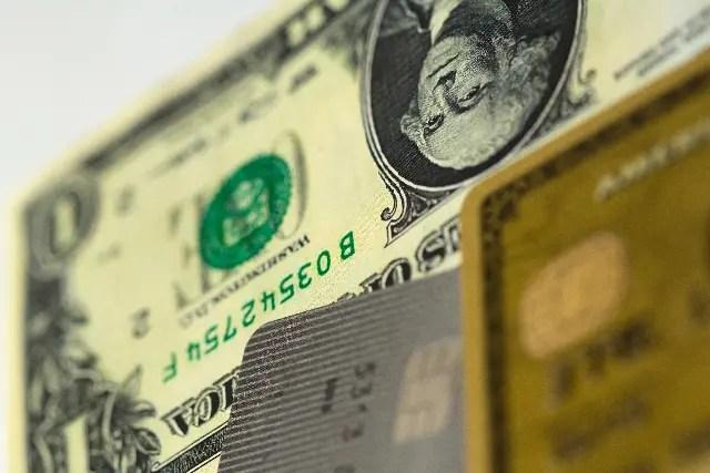 クレジットカードとキャッシュ