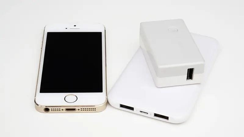 スマートフォン充電機器