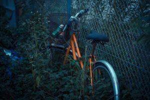 駐輪場トラブルに巻き込まれ壊された自転車