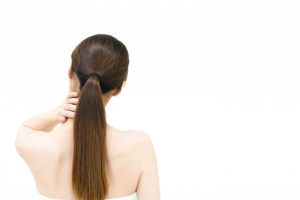 首が乾燥する原因はコレ!原因を追究し対策をしよう