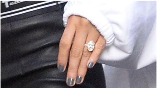 ジャスティンビーバー ヘイリー 婚約指輪