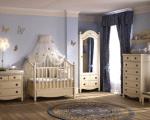 Обзавеждане на бебешка стая с мебели от масивно дърво