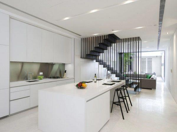 Бели-минималистични-кухни-600x448