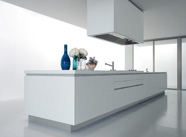 Чисти-минималистични-линии-на-кухнен
