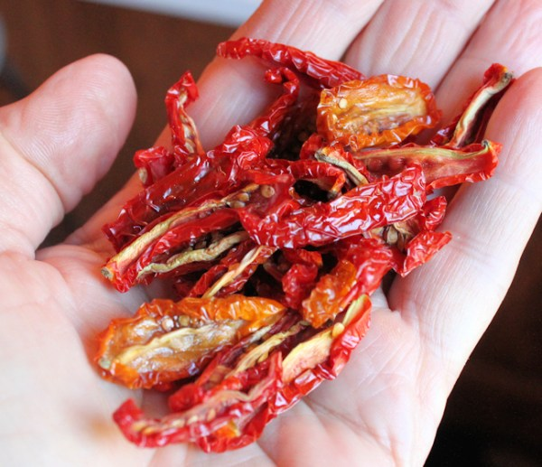 handful of dehydrated tomatoes