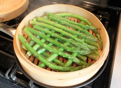 asparagus in bamboo steamer