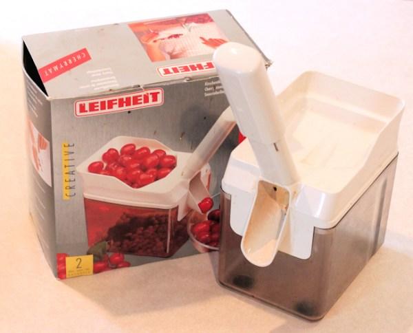 Leifheit cherry pitterer