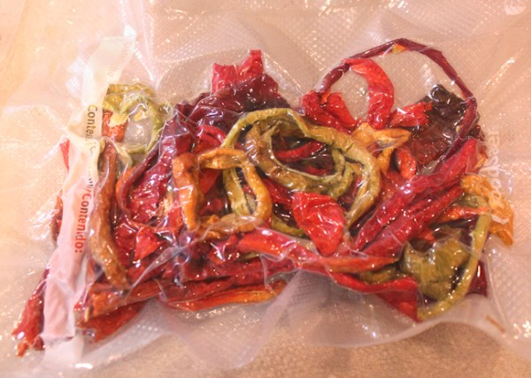 vacuum sealed dried peppers