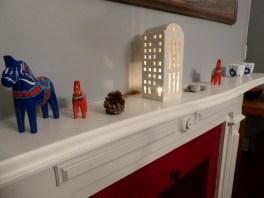 Dala horses and Kahler light house