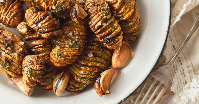 Mini Garlicky Hasselback Potatoes