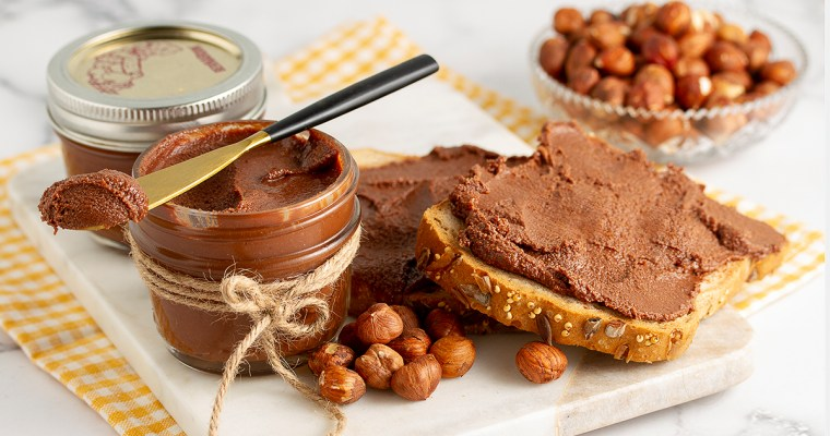 Healthy Vegan Nutella (4 Ingredients)