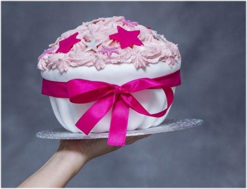 sister birthday cake with stars