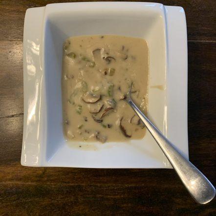 Dads Super Simple Mushroom soup.
