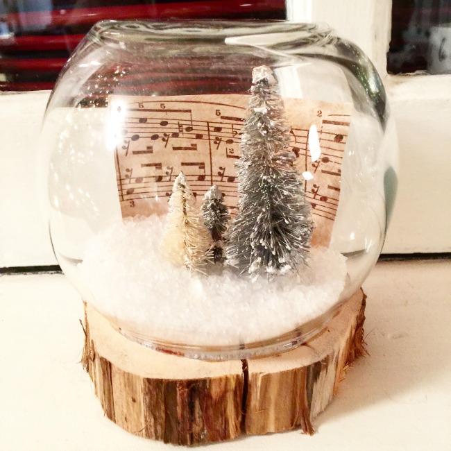 Globe Machine Snow Gumball
