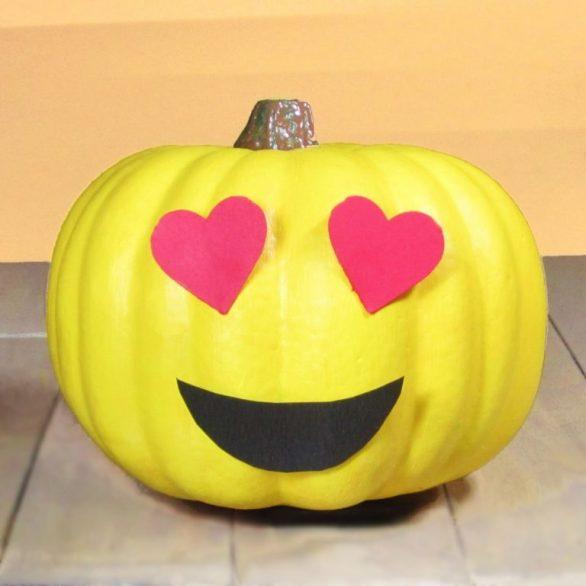 Cute Halloween Carved Pumpkins Photos