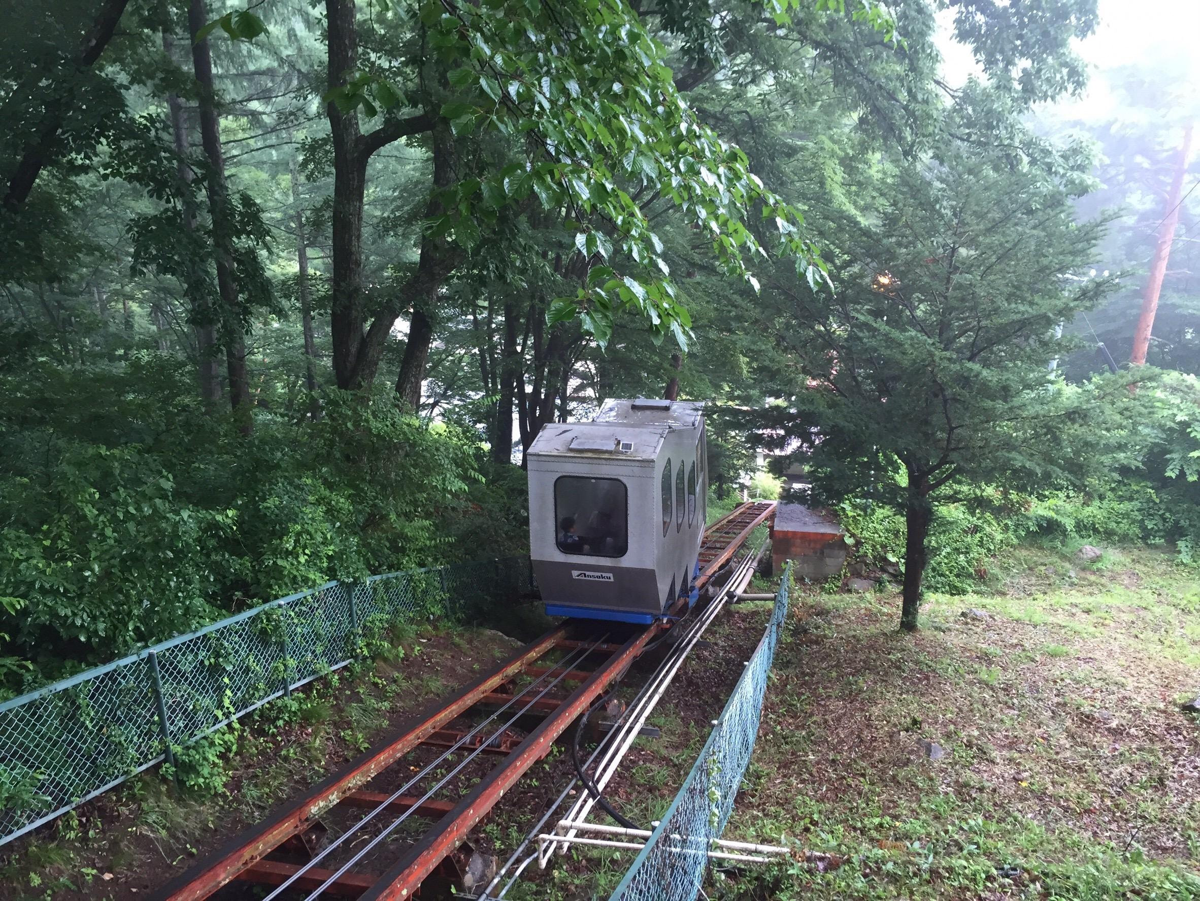 常盤館の登山電車