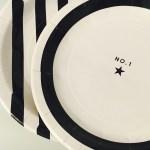 ホームパーティーに最適!ダイソーのモノトーン紙皿と紙コップで簡単おもてなし