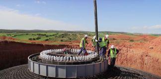 Watch Contractors Hypnotically Build an Entire Wind Turbine Farm