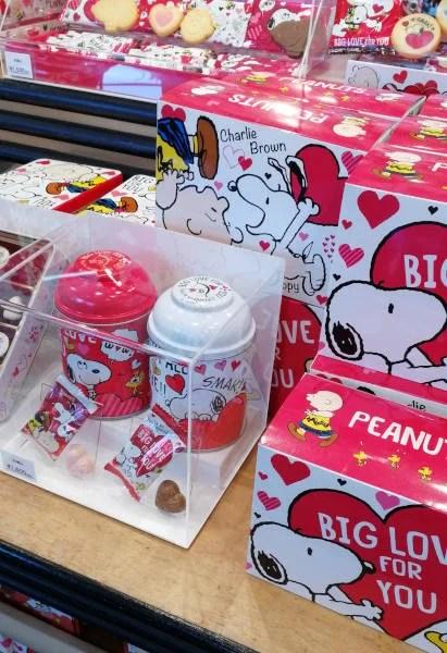 USJバレンタイングッズ スヌーピーお菓子