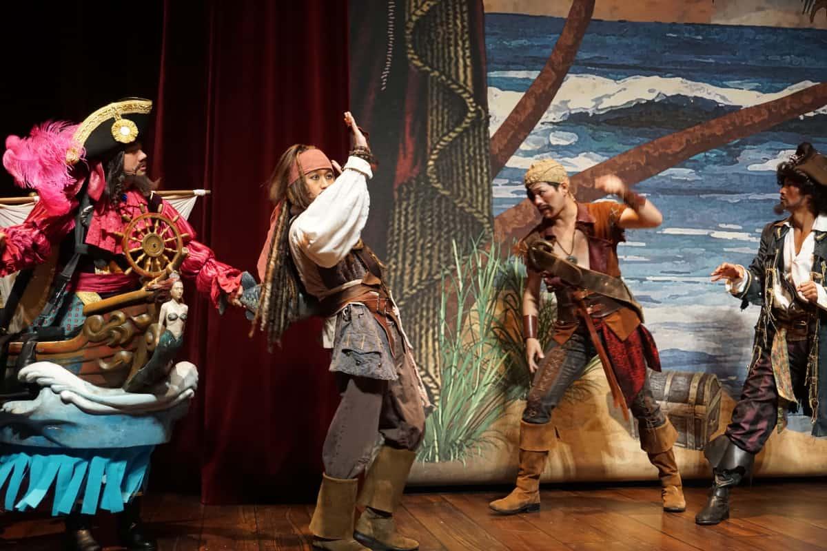 海賊劇がスタート