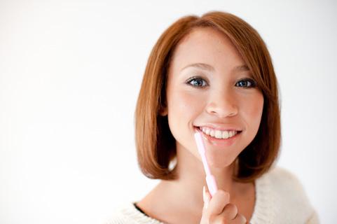 歯の茶渋の落とし方・取り方!重曹や歯磨き粉で除去できる?つきやすい人は必見!