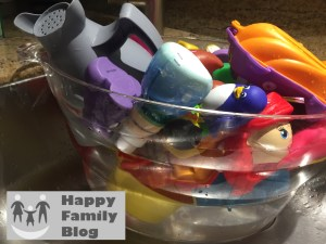 Cleaning: How to Clean Bath Toys by Happy Family Blog