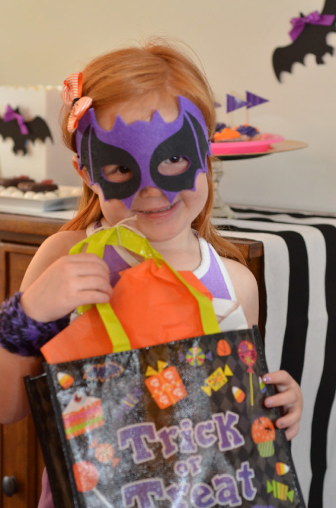 Bats and Bows Halloween Bash by Happy Family Blog
