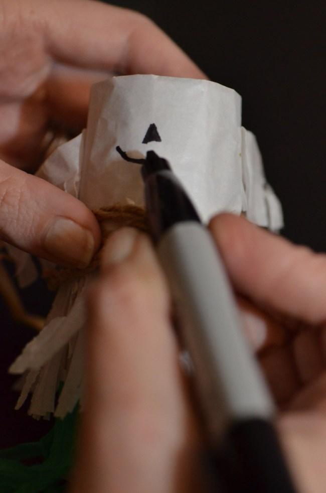 Scarecrow Mini Pinata Tutorial