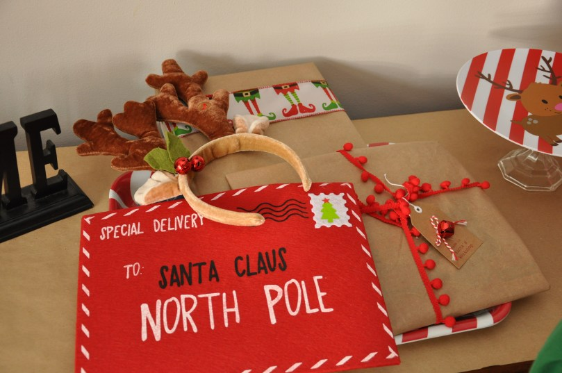 How to Throw a North Pole Breakfast by Happy Family Blog