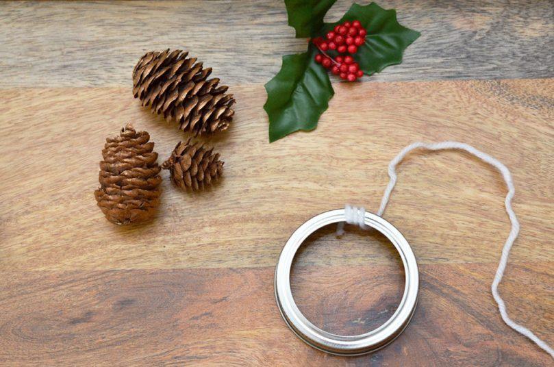 DIY Mini Wreath Tutorial