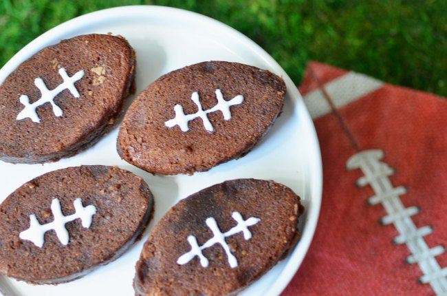 3 Easy Football Party Treats, Football Party food, football party appetizers, football party finger foods, football party food menu, football party menu