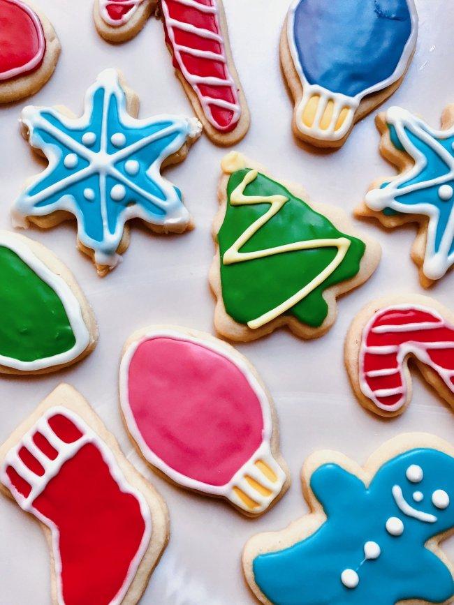 Christmas Raspberry shortbread Cookies, pecan cake bars square, no bake santa cookies, Melted Snowman Cookies, holiday thumbprint cookies, Holiday Spritz Cookies, must try Christmas cookies, Christmas cookies, Christmas treats