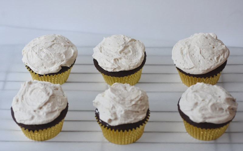 chocolate and peanut butter cupckes