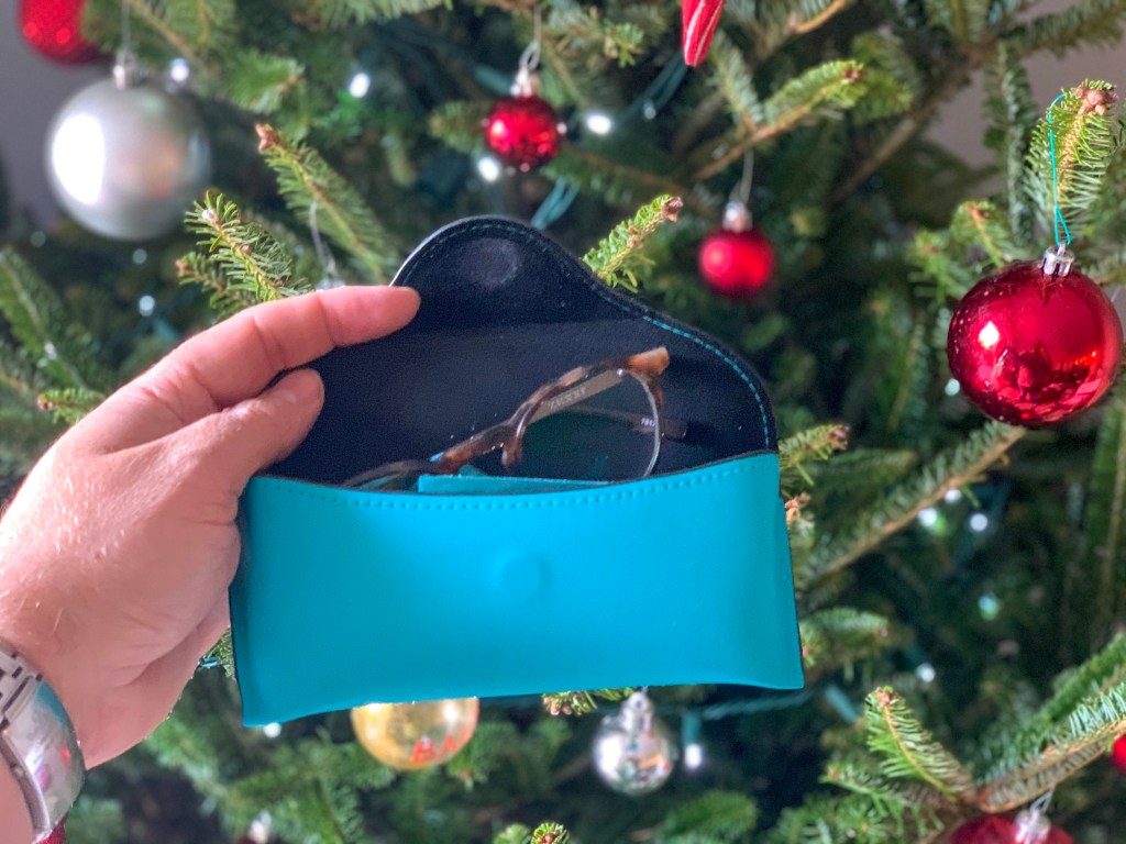mens holiday gift guide, christmas gifts for me, gifts for him, best gifts for men