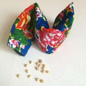 bouillotte sèche noyaux de cerises tissus fleurs pivoine