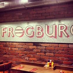 Nouveau burger-place à Bastille chez Frogburger ! Testé celui au poulet, qui était topissime !!!