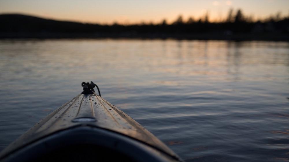 Happy-Fox-Boat-Trip-to-the-Nightless-Night-canoe