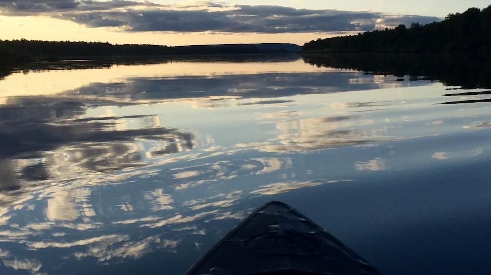 Happy-Fox-Fall-Colors-by-Canoe-sunset-ounasjoki-river