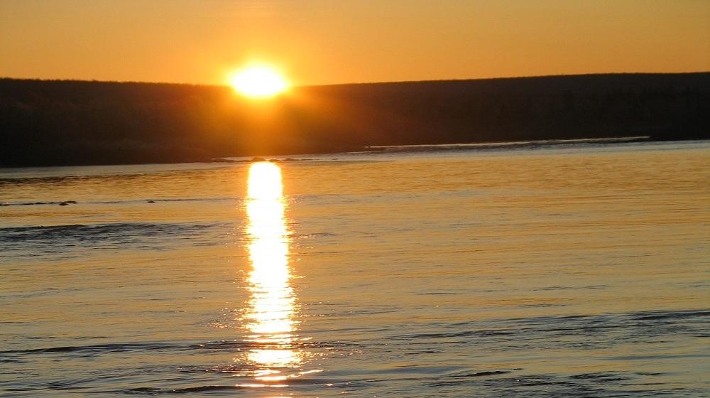 Happy-Fox-Gold-Adventure-Sunset-Ounasriver