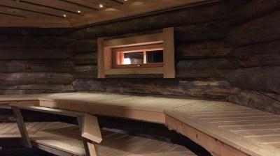 Happy-Fox-Magic-of-the-Forest-and-log-sauna-winter-sauna2