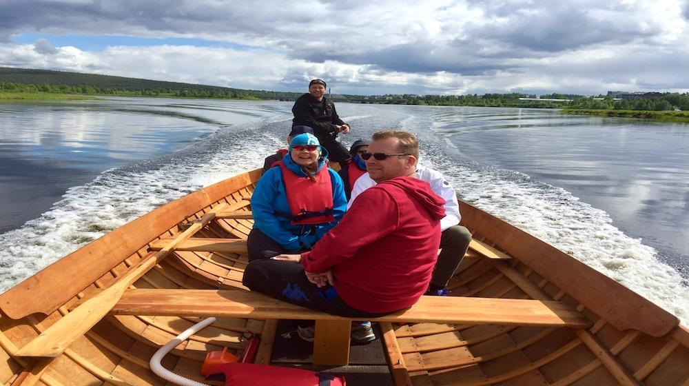 Happy-Fox-Boat-Trip-happy-people-on-the-golden-fox