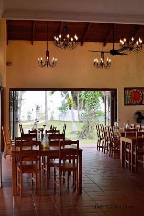 casa-titik-dining-room