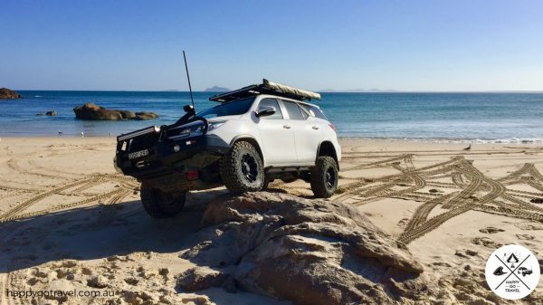 The best 4wd suspension, Toyota Fortuner on a rock