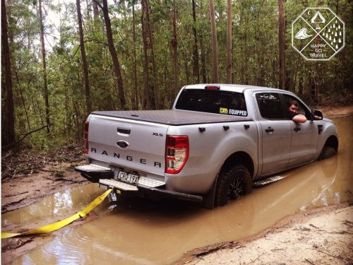 0 Essential Tips For Safe 4wding   4x4 bogged and being recovered