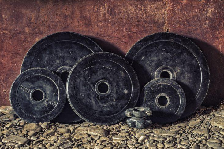black-bumper-plates-dirty-161557