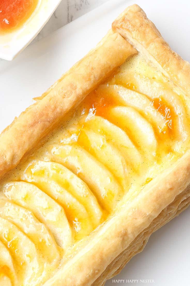 close up an apple tart