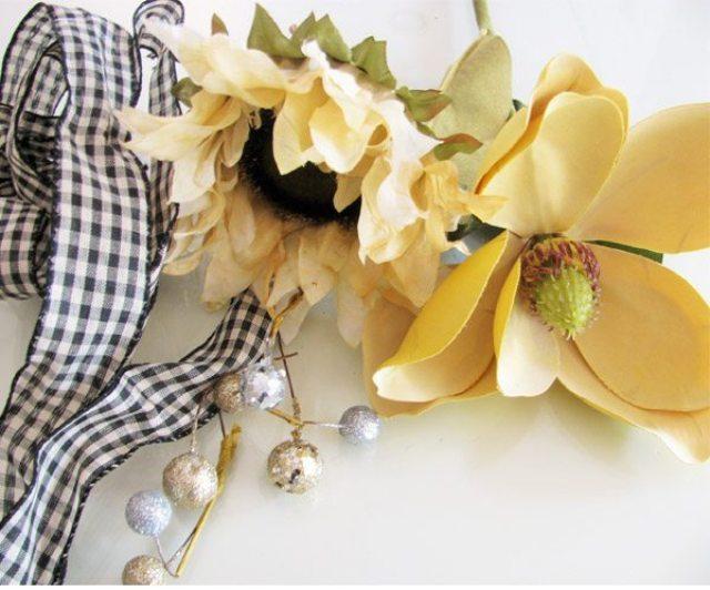 burlap wreath flowers